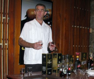 Master Distiller Julio Ayan, one of the keepers of the secret of making light rum in Santiago de Cuba, at a time of its intervention in the tasting.
